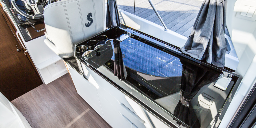 The Antares 9 Outboard By Beneteau Outboard Darthaven Marina